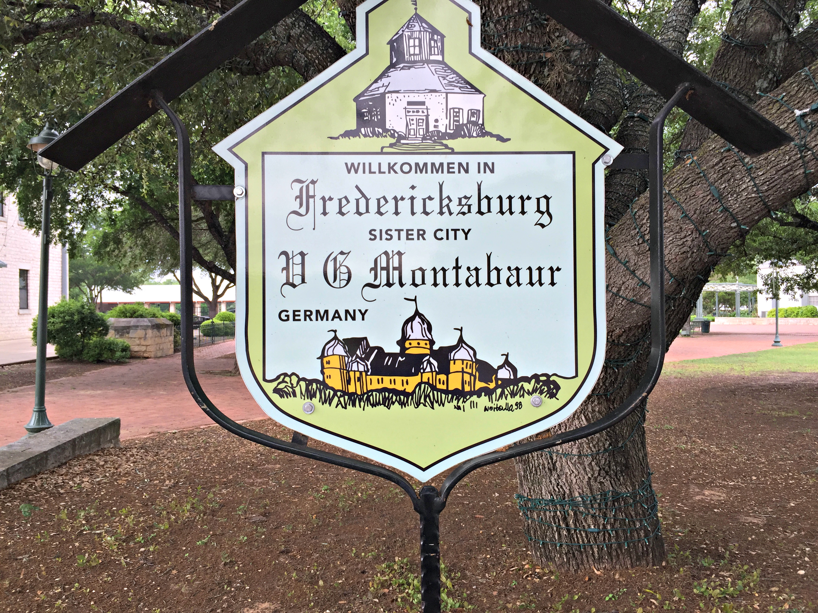 The Wandering Weekenders- Fredericksburg- Where To Stay & What To Do