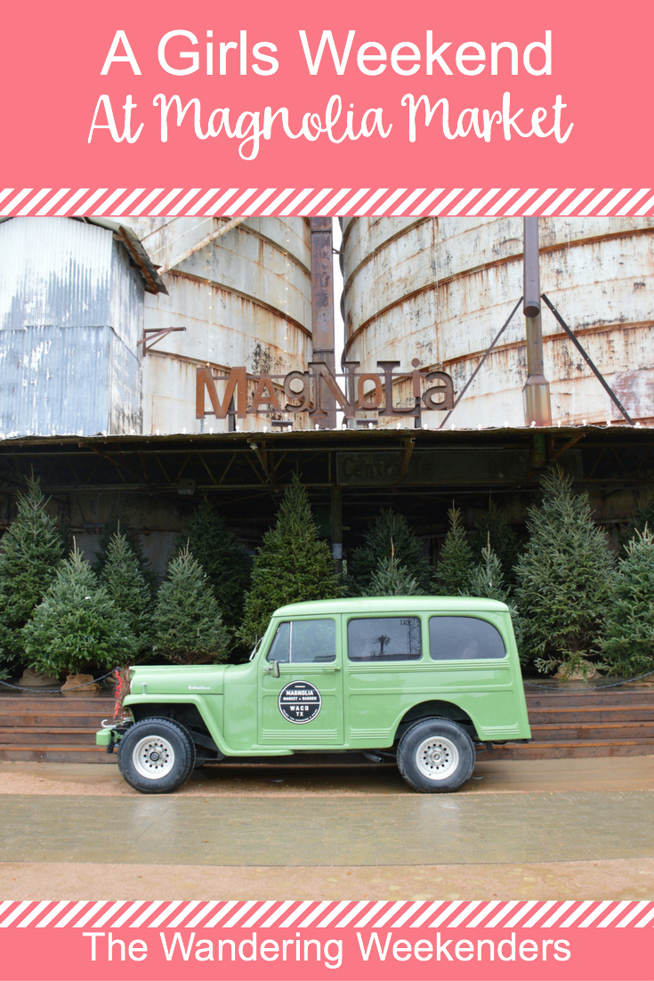 The perfect girls weekend at Magnolia Market during Christmas time! All of the decorations were beautiful, and perfect for the season!