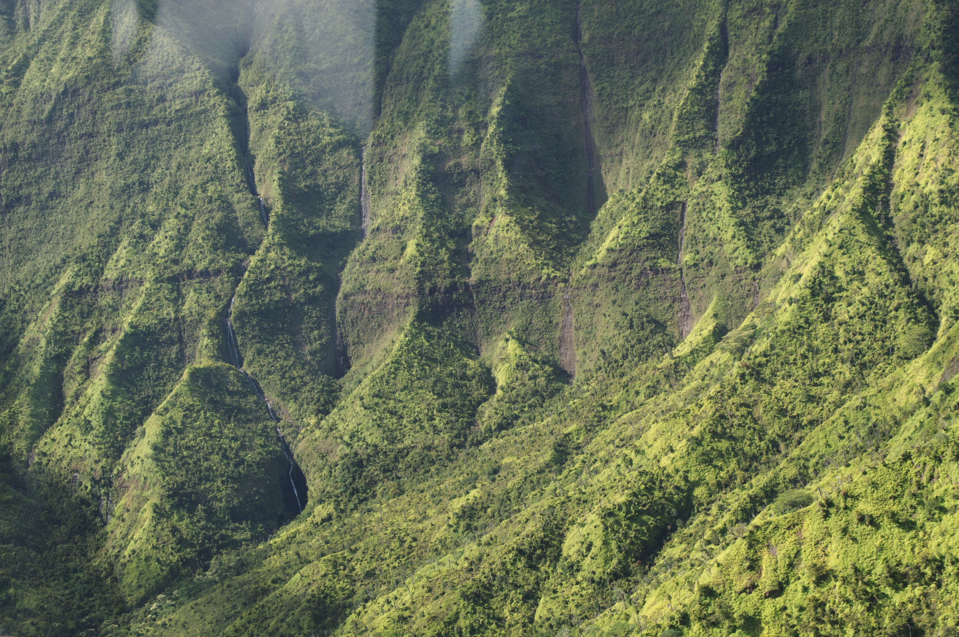 The Wandering Weekenders- Exploring Kauai From The Air