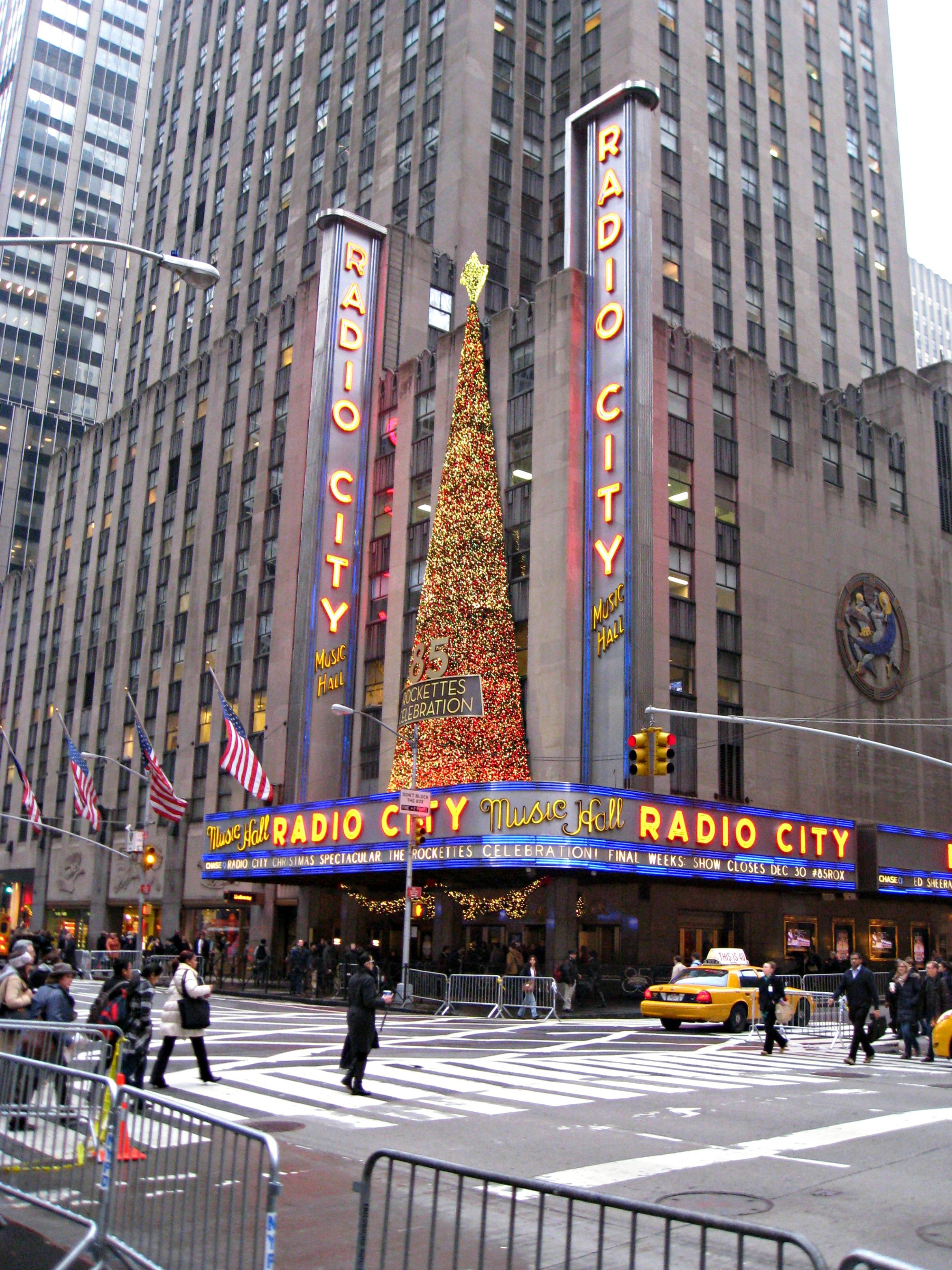 Christmas In New York City - The Wandering Weekenders